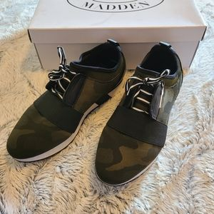 SOLD Steve Madden Camouflage Green Sneakers Size 8